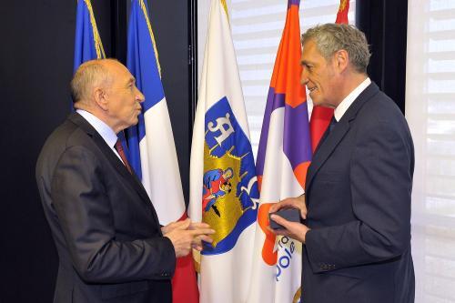 Gérard COLLOMB a été reçu aujourd'hui par Philippe SAUREL à Montpellier, 1ère ville à être visitée par le Ministre de l'Intérieur - Photo : H. Rubio